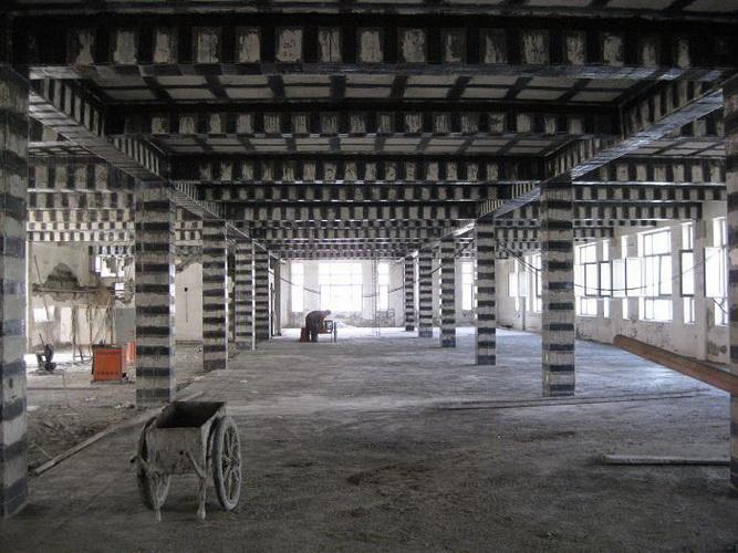 梁、柱粘贴碳布工程